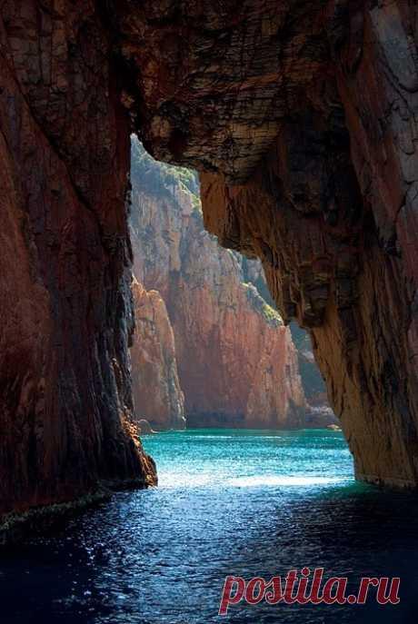 Enchanting Photos Isle of Corsica, Italy photo via alice