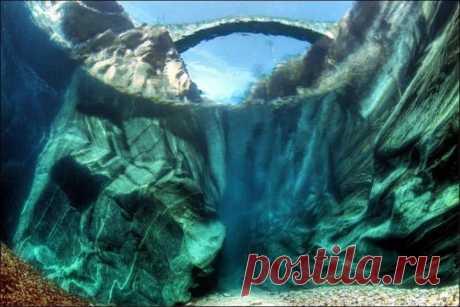 (+1) тема - Невероятно чистая вода реки Верзаска. Швейцария   ТУРИЗМ И ОТДЫХ