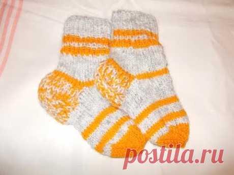 Knitting by spokes socks for children kids (children's socks)