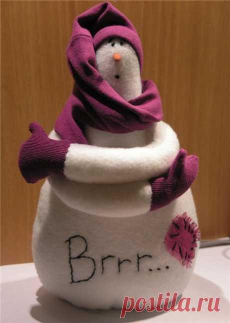 Милый и забавный снеговик к Новогодним праздникам. Подробный МК