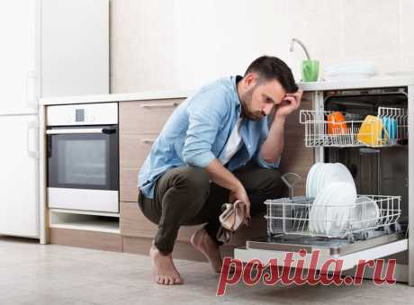 Что нельзя мыть в посудомоечной машине? Список из 9 предметов. Не нужно забывать, что не всё можно мыть в посудомоечной машине. Есть несколько вещей, которые вы не должны в неё загружать.
