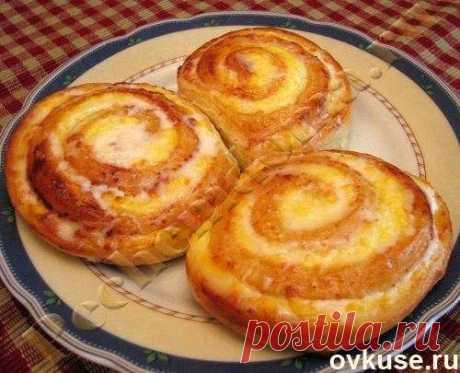 Творожные завитушки в сметанной заливке - Простые рецепты Овкусе.ру