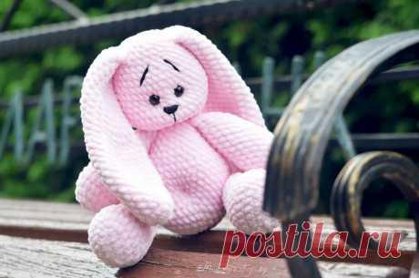 """PDF Плюшевый зайчик """"Пухляш"""" крючком. FREE crochet pattern; Аmigurumi animal patterns. Амигуруми схемы и описания на русском. Вязаные игрушки и поделки своими руками #amimore - заяц из плюшевой пряжи, плюшевый зайчик, кролик, зайчонок, зайка, крольчонок."""