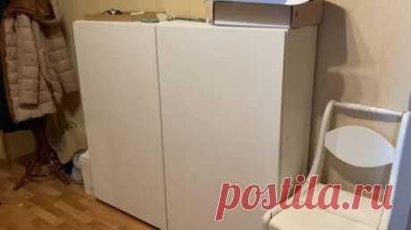 Эффектная переделка скучного шкафа Многим не нравится простая белая мебель, которая наводит тоску и сливается с общим пространством.Чтобы немного преобразить имеющийся белый шкаф, девушка взялась за его переделку, основным материалом ...