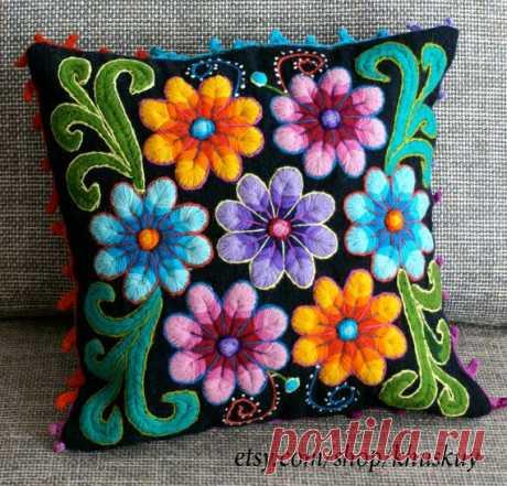 Fundas de almohada peruano mano bordadas flores de lana por khuskuy Fundas de almohada peruano mano bordadas flores de lana por khuskuy