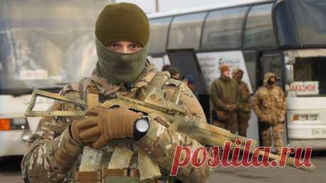 В Донбассе проходит обмен пленными между ДНР и Киевом В Донбассе началась процедура обмена пленными между самопровозглашённой Донецкой народной республикой и Киевом, передаёт РИА Новости.