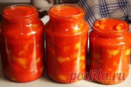 Лечо из болгарского перца на зиму Пальчики оближешь рецепт с помидорами Ещё один рецепт лечо из болгарского перца на зиму Пальчики оближешь из нашей коллекции зимних заготовок. Данный рецепт лечо отличается самым простым набором ингредиентов и особенно сильно близок к классическому рецепту лечо, которое является традиционным блюдом Венгрии. Обычно, венгерское лечо готовится при наличии трёх основных компонентов - сладкого перца, помидоров и репчатого лука. Остальные припра...