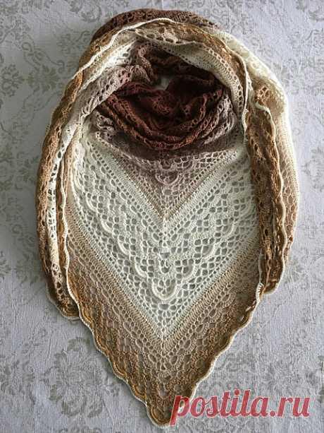 Ravelry: Klaziena Шаль pattern по Kirsten Bishop
