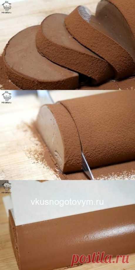 Нежнейший, кремовый, тающий во рту десерт. Попробуйте приготовить этот мусс-рулет однажды — и не сможете оторваться!