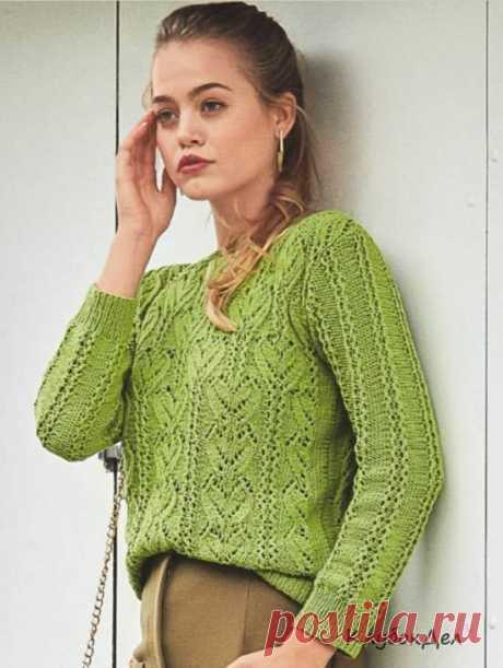 Зеленый ажурный пуловер спицами Яблочно-зеленый пуловер хорош не только эластичной хлопчатобумажной пряжей, но и затейливой комбинацией из «листьев» и ажурных полос.Ажурный пуловер для женщин, схема с описанием вязания спицами.Размеры: 36/38 (40/42) 44/46Вам потребуется: пряжа (96% хлопка, 4% полиэстера; 160 м/50 г) - 400 (450)