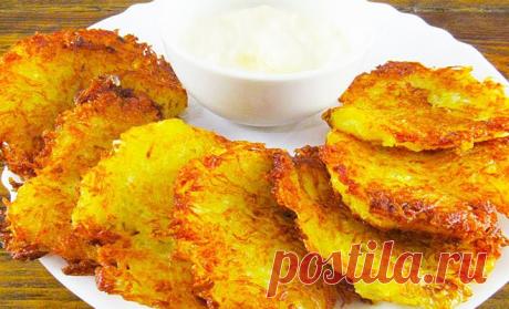 Драники без муки и яиц: смешиваем только картошку и лук