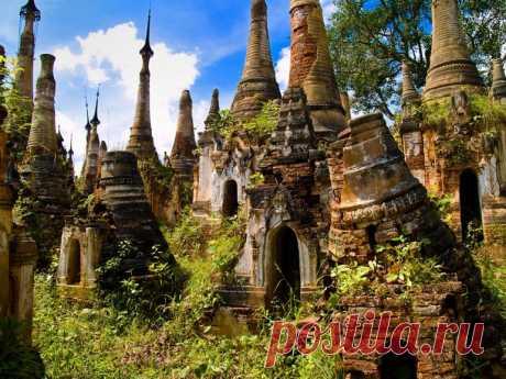 Целая деревня средневековых храмов (Мьянма)