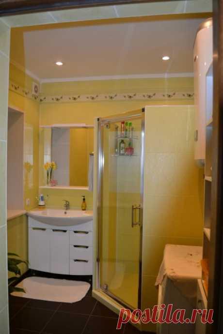 Ванна комната с построенной душевой кабиной!