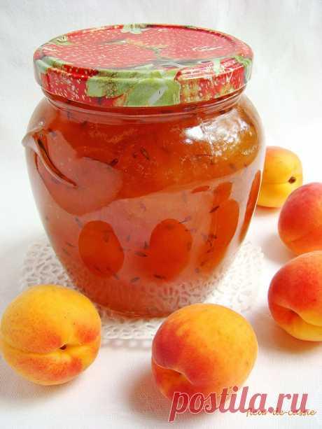 Мое абрикосовое лето Каждое лето мне хронически недостает двух вещей. Клубники и абрикосов. Мне никогда не удавалось вдоволь ими наесться, наготовить всего-всего, о чем давно мечталось, с их участием, наварить много джемов и варений... С клубникой в этом году ситуация почему-то совсем аховая - на прилавках сплошной…