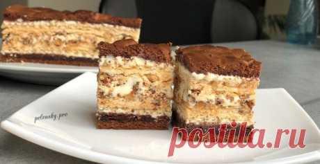 "Пляцок ""Лебедине озеро"", рецепт вафельно-шоколадного торта. • Пляцок ""Лебедине озеро"", рецепт вафельно-шоколадного торта, торт лебедине озеро, перепис пляцка лебедине озеро з вафлями і шоколадом"