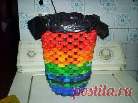 Использование крышек от пластиковых бутылок.
