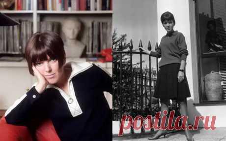Кто придумал мини-юбки и виниловые дождевики: Модная революция Мэри Куант Мэри Куант знают и помнят как изобретательницу мини-юбок. Однако она же в 50-е годы ввела в моду короткие шорты, яркие колготки, виниловые дождевики, создала первую авторскую палетку теней, с…
