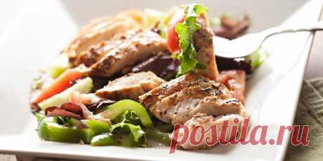 5 вкусных салатов с курицей - Лайфхакер