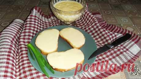 Плавленый сыр на сковороде Домашний плавленый сыр – очень вкусная и полезная закуска! Предлагаю простой и удобный способ приготовления этого продукта – на сковороде всего за 15 минут.Ингредиенты:творог – 0,5 кг.;яичные желтки – 2 шт.;растительное масло – 3 ст.л.;сливочное масло – 50 г.;соль – 0,5 ч.л.;сода – 0,5...