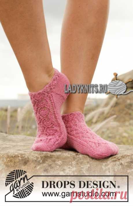 """Красивые ажурные носки спицами """"Розовая камелия"""""""