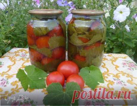 Помидоры в виноградных листьях. Ингредиенты: виноградные листья , вода, сахар