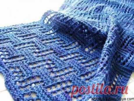 Ажурный шарф спицами.