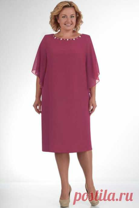 Lovely needlewomen, prompt please as the pattern of this dress looks!?\u000d\u000aThe lower sheath dress is made of pleasant fine knitted fabric. Top of a dress and a sleeve - the flying chiffon. Jersey are fastened to chiffon on a mouth and humeral seams. The direct free cut will give to a figure symmetry, and to you confidence in own irresistibility. Length of a dress is 112 cm, length of a sleeve is 33 cm on the external line and 53 cm on internal. The mouth of a dress is embroidered by pearls and pastes, pastes uk...