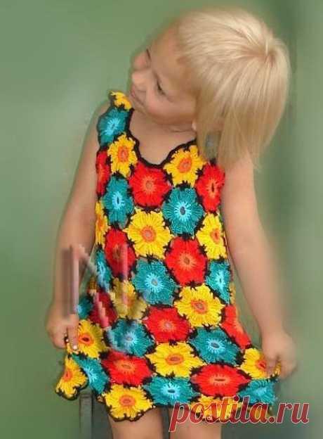 Детское платье. Справится даже начинающий.