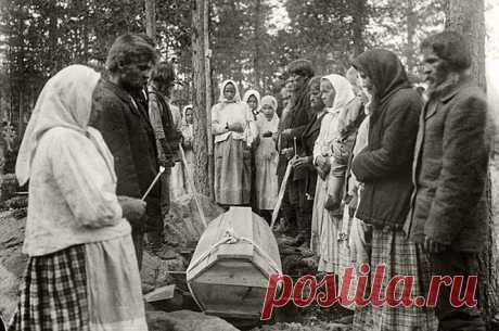 Почему православным нельзя говорить фразу «пусть земля тебе будет пухом» | Русская семерка