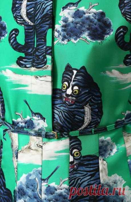 Женское зеленое шелковое платье-рубашка с принтом GUCCI — купить за 221500 руб. в интернет-магазине ЦУМ, арт. 497661/ZKP94