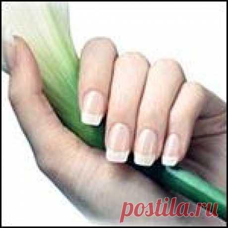 Как укрепить ногти          Чтобы ногти и волосы были сильными и лучше росли, продукты полезно употреблять с содержанием витаминов групп А, В и Е: злаки, растительные масла, печень орехи, яйца, морковь, капусту, …