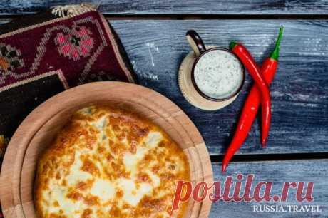 Самса, чебуреки, караимские пирожки и кубете — вместе с Russia.Travel рассказываем об одной из главных жемчужин крымской кухни.
