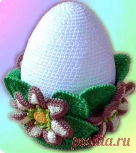 Very beautiful option of a knitted Easter egg