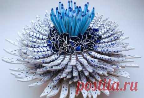 Цветы из осколков керамики