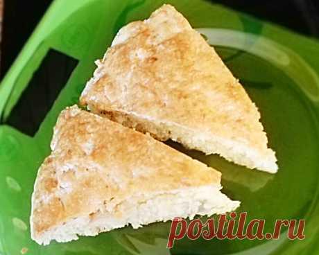 Сконы на завтрак (сырный пирог с курицей).