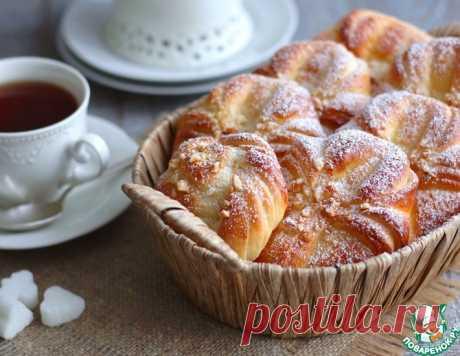 Домашние булочки с орехами – кулинарный рецепт