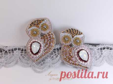 """Brooch """"Совушка"""" with a crystal, pearls and paillettes. Master class"""