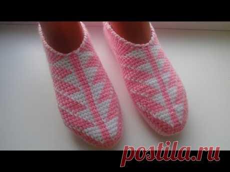 Las zapatillas-sledki por el gancho de Tunicia. La parte 1