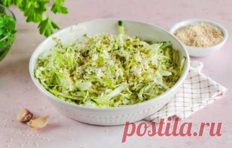 Какие специи нужны для блюд из капусты: вкусно тушим, варим, квасим . Милая Я Хоть на первом месте по популярности из овощей стоит картошка, капусту любят не меньше. Из нее готовят самые разные блюда. В отличие от картофеля, капусту также можно засолить или заквасить на зиму. Из нее варят супы, делают рагу, солянки, голубцы и котлеты. У каждого блюда свой вкус и важно его подчеркнуть подходящими специями. Какие специи используют для тушеной капусты Тушеная капуста использу...