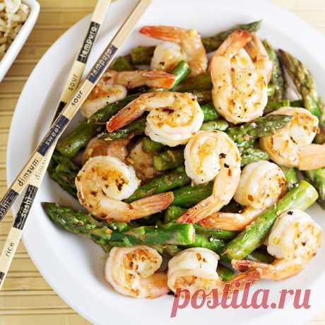 Теплый салат из жаренных креветок и спаржи в соусе Теплый салат из жаренных креветок и спаржи в соусе - пошаговый кулинарный рецепт приготовления с фото, шаг за шагом.