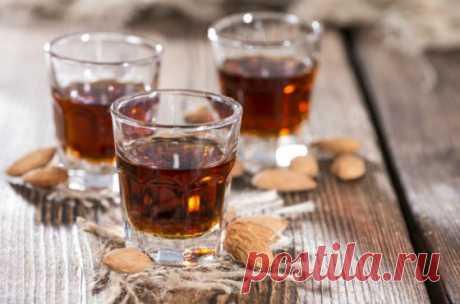 Амаретто- лучшие рецепты домашнего ликера Как сделать ликер амаретто в домашних условиях, пошаговые рецепты приготовления Amaretto из водки и самогона, как правильно пить напиток, фото и видео инструкции