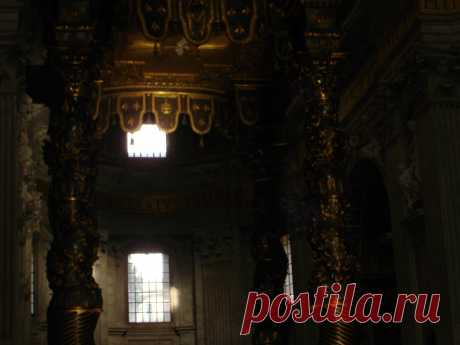 Внутреннее убранство собора Св.Петра