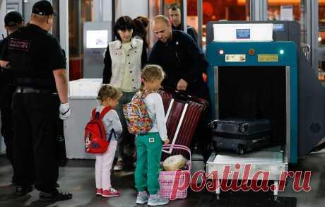Семьи с детьми смогут путешествовать по России на поезде по льготным тарифам - Общество - ТАСС