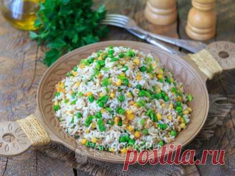 Рис с кукурузой и зеленым горошком — рецепт с фото Красочный, сытный и вкусный жареный рис с зеленым горошком и кукурузой - прекрасный вариант обеда или ужина на скорую руку.