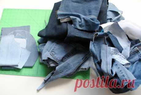Я собрала все старые джинсы, разрезала их на полоски и сделала стильную вещицу