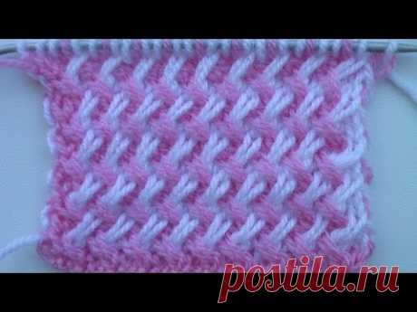 Two-color pattern from inclined loops