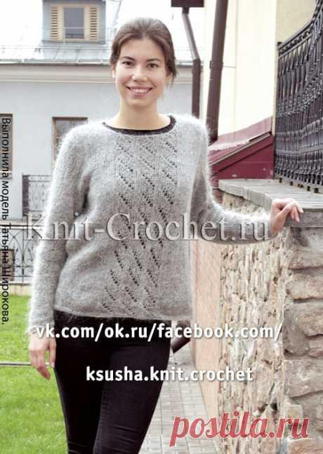 Пуловер из тонкого мохера на спицах.