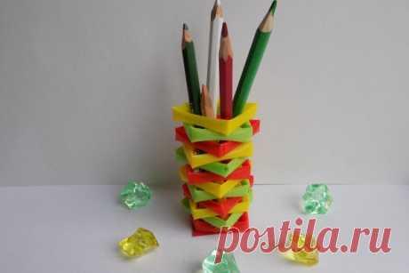 Делаем подставку под карандаши из трубочек для коктейля | CityWomanCafe.com