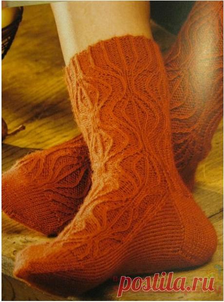 Вязаные носки «Отдых в горах»