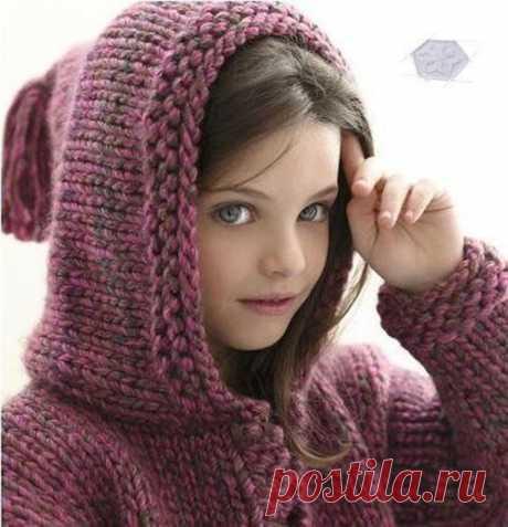 Куртка с капюшоном вишневого цвета спицами для девочки (Вязание спицами) – Журнал Вдохновение Рукодельницы